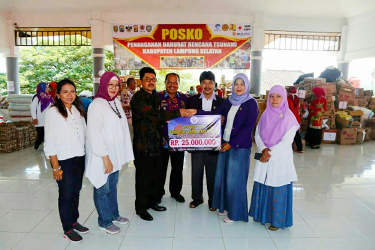 Perhimpunan Dokter Hewan Indonesia Bantu Korban Tsunami Lamsel