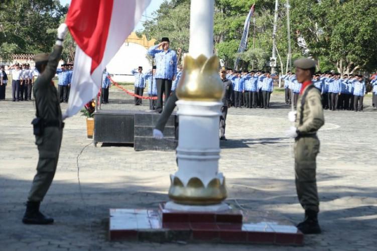 Peringatan Hari Pendidikan,Wakil Bupati Edward Antony Bacakan Pidato Menteri