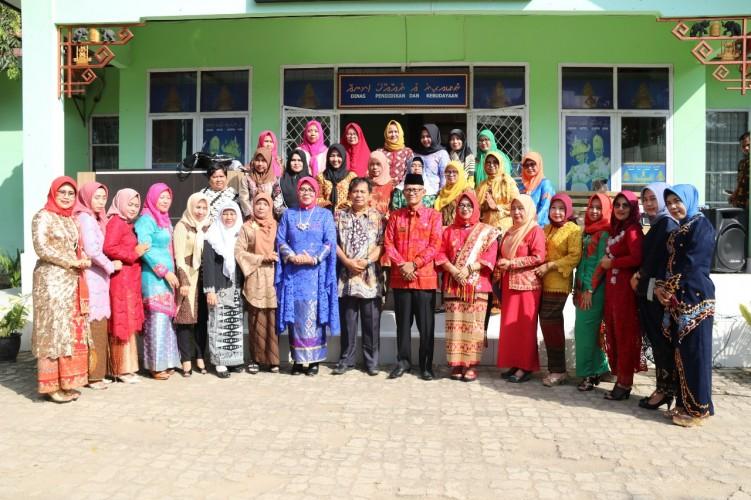 Peringati Hari Kartini, DWP Disdikbud Lamteng Gelar Berbagai Lomba