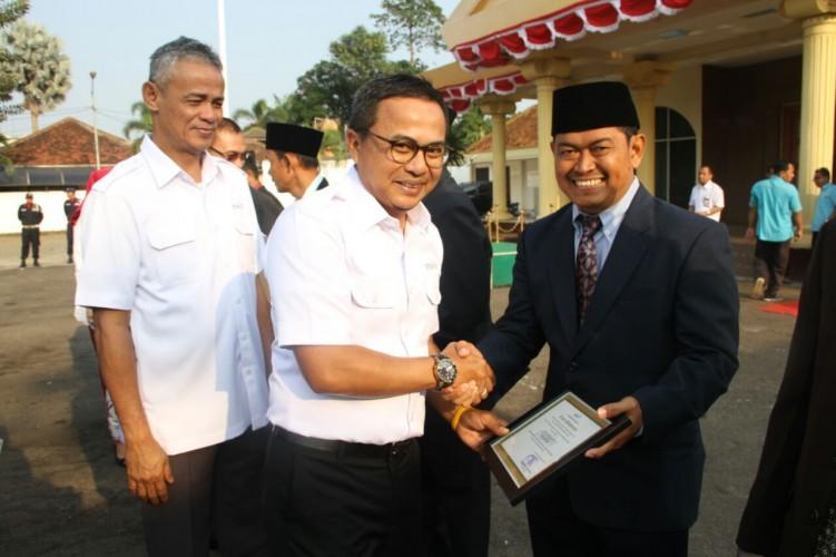 Peringati HUT RI, PTPN VII Beri Penghargaan Karyawan
