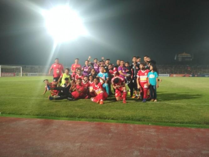 Penalti Fernandinho Bawa Kemenangan Perdana BLFC di Kandang