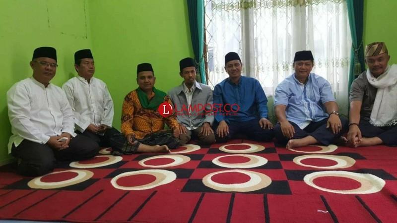 Pj Bupati Tanggamus Safari Ramadan ke Masjid Nurul Huda
