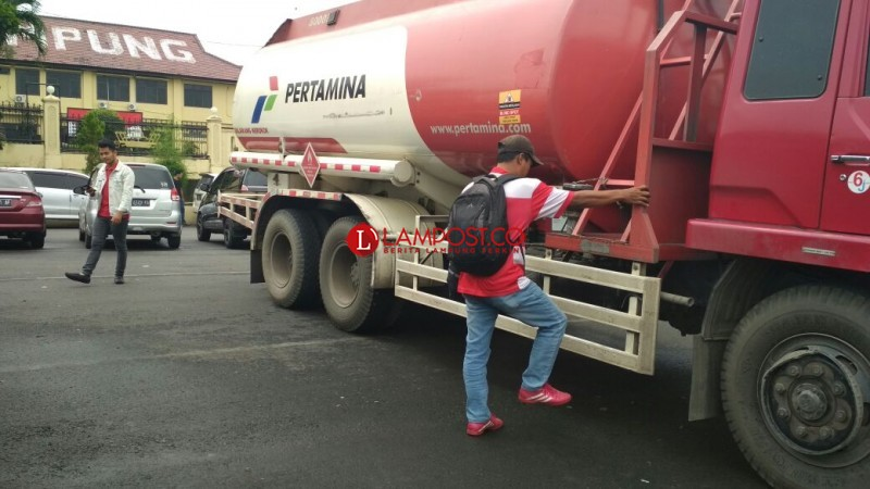 Polda Amankan Ribuan Liter Diduga BBM Oplosan