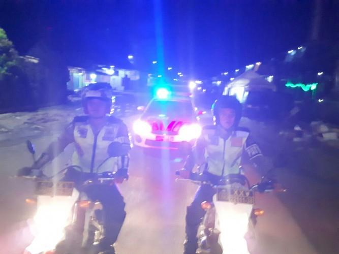 Polres Mesuji Patroli Bangunkan Sahur
