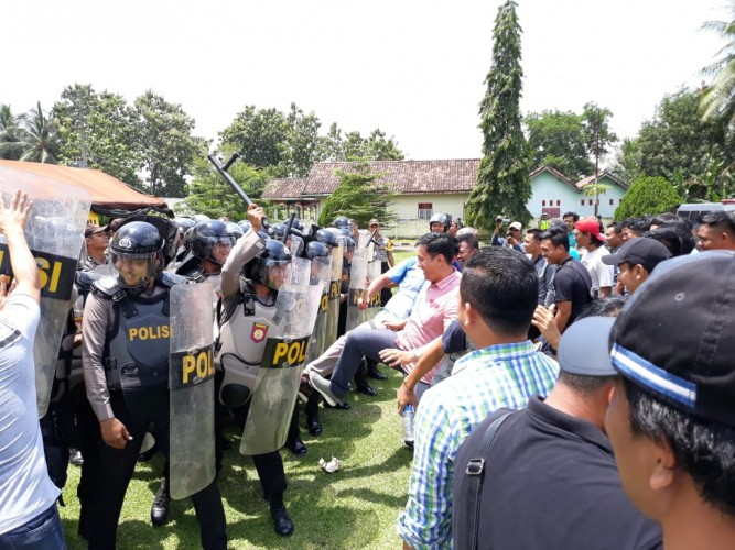 Polres Tulangbawang Gelar Simulasi Pengamanan Pemilu 2019