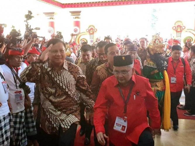 Prabowo Disambut Pekikan di Kongres PDI Perjuangan