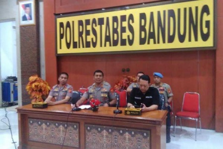 Propam Periksa Personel Polisi Pemberi Miras ke Mahasiswa Papua