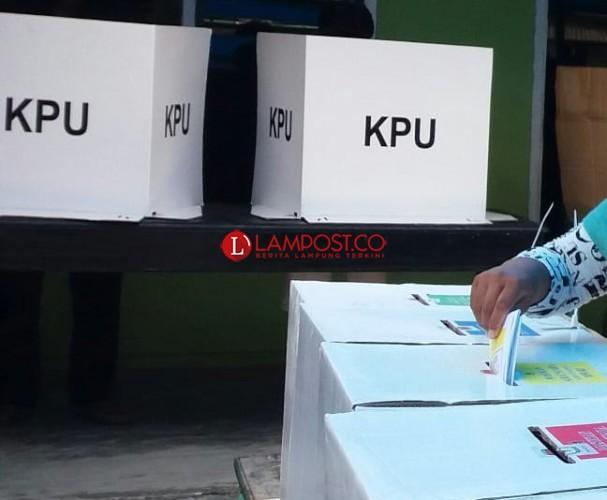 Puluhan Warga Kecubung Tak Bisa Pilih Caleg DPRD