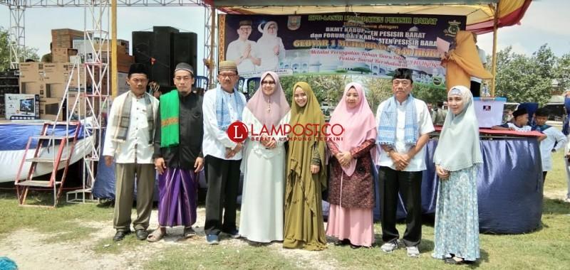 Ratusan Masyarakat Ikut Meriahkan Pawai Taaruf Peringatan Tahun Baru Islam
