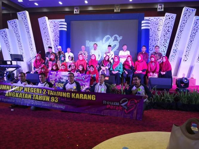 Rekatkan Persaudaraan, Alumni SMPN 2 Gelar Reuni Perak