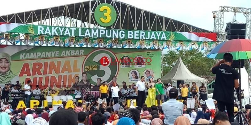 Ribuan Masyarakat Hadari Kampanye Terakhir Arinal-Nunik