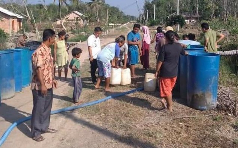Sabtu-Minggu, BPBD Mesuji Libur Salurkan Air Bersih