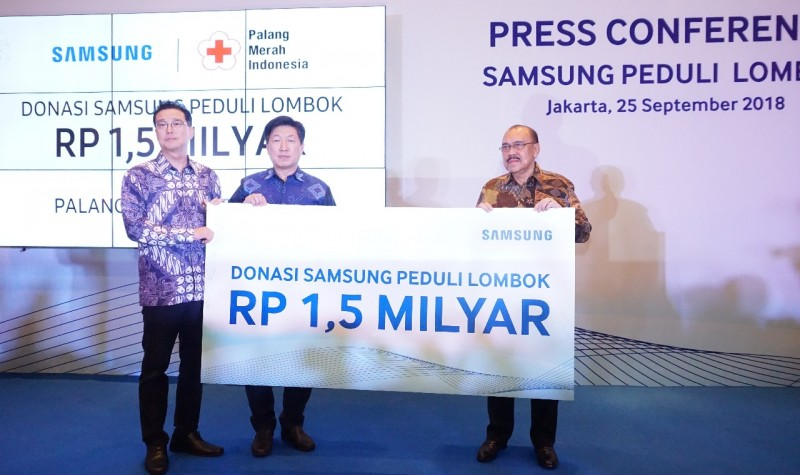 Samsung Serahkan Bantuan Rp1,5 Miliar Untuk Korban Gempa Lombok