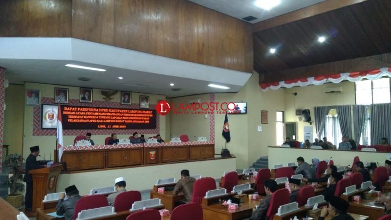 Sejumlah Fraksi DPRD Lambar Pertanyakan Kebijakan Pemkab