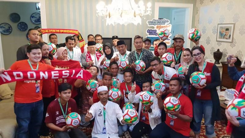 Sejumlah Perwakilan Suporter Klub Sepak Bola Dukung Ma'ruf Amin