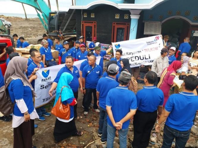 Serikat Karyawan Telkom Salurkan Bantuan Korban Tsunami