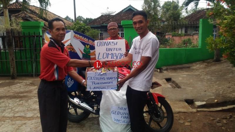 Siswa di 30 SD Penengahan Salurkan Bantuan Mie Instan untuk Korban Gempa Lombok