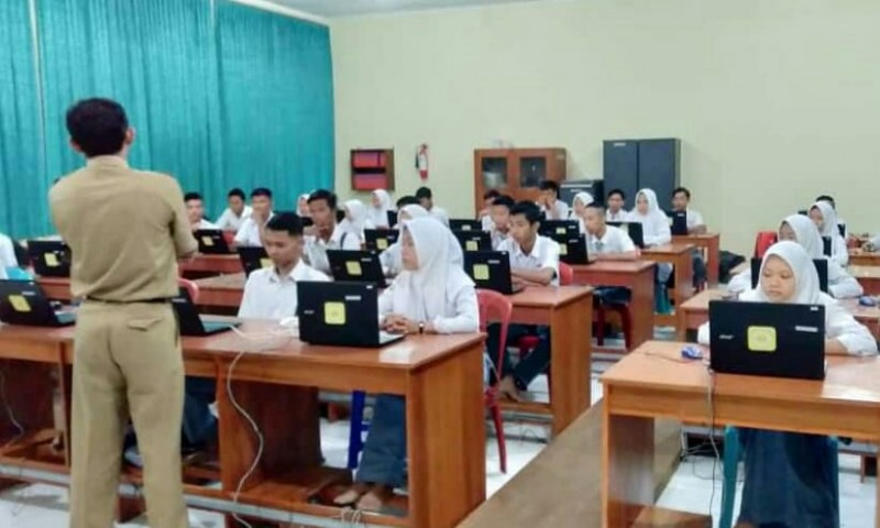 SMK Beri Latihan Ujian Nasional ke Siswa