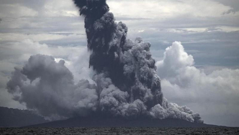 Terjadi 19 Kali Letusan Gunung Anak Krakatau Sejak Pagi hingga Siang ini