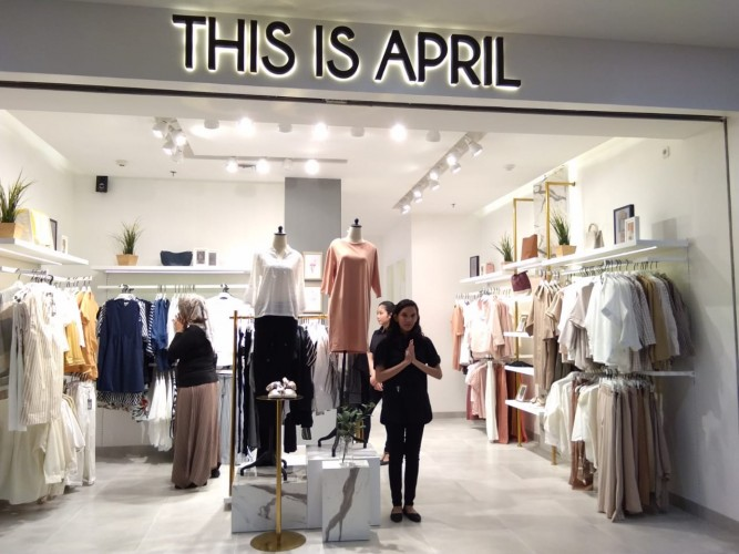 This is April Hadir di MBK