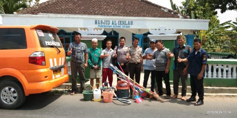 Tim Polisi Peduli Rumah Ibadah  Bersihkan Gereja,  Masjid dan Musala