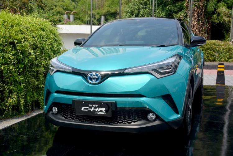 Toyota Luncurkan C-HR Hybrid