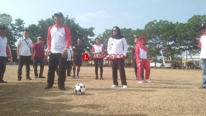 Turnamen Bupati Cup Diharap Melahirkan Bibit Baru Pesepak Bola Tulangbawang