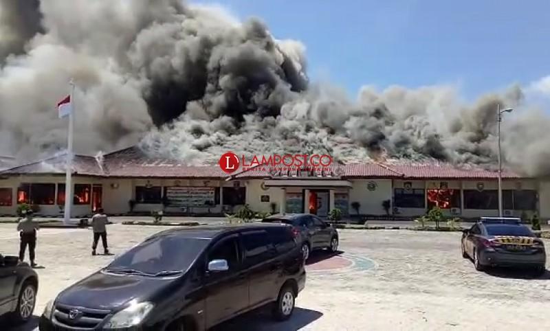Usut Kebakaran Polres Lamsel