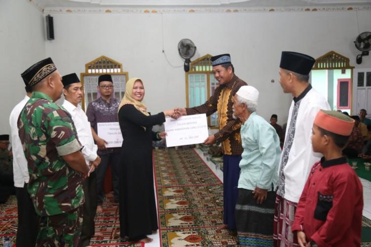 Wabup Erlina Safari Ramadan di Pekon Sukajadi