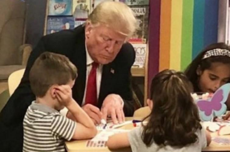 Wah! Trump Diduga Salah Mewarnai Bendera AS