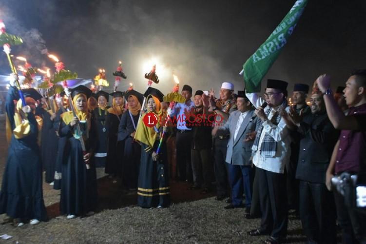 Wakil Bupati Lampung Timur Buka Festival 1.000 Obor