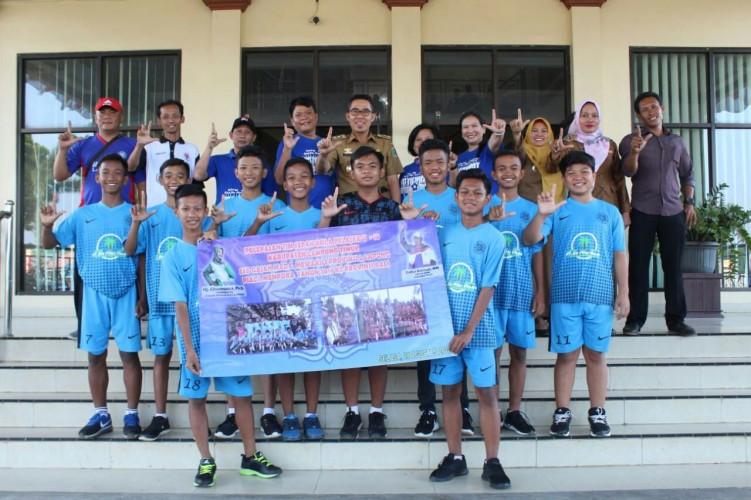 Wakil Bupati Lamtim Lepas Tim SSB Gajah Mada ke Event Nasional
