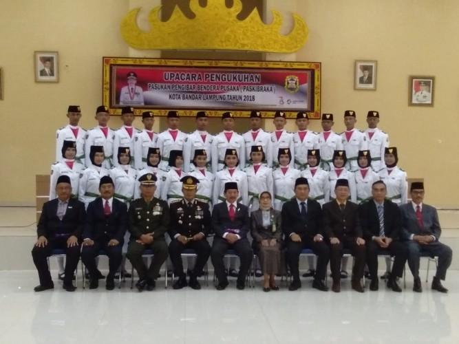 Wali Kota Kukuhkan Paskibraka Bandar Lampung