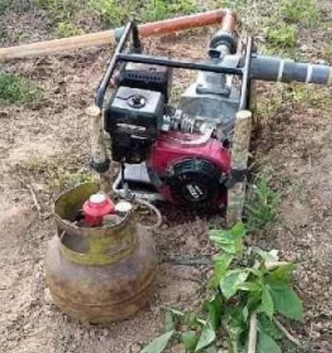 Warga Gunakan Elpiji Buat Mesin Pompa Air Sawah