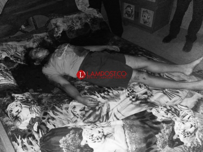 Warga Karangrejo Ditemukan Tewas Tergorok di Kamar