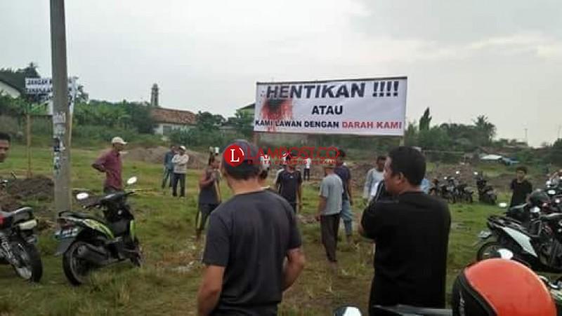 Warga Protes Pembagunan Gedung Pemasyarakatan di Pringsewu