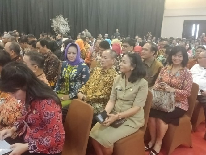 Winarti Hadiri Kongres Nasional Perdagangan Barang dan Jasa Online di Malang