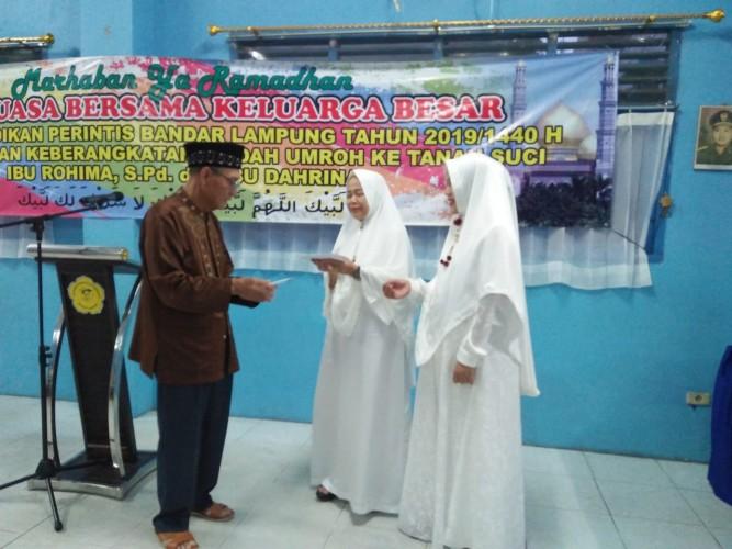 Yayasan Perintis Kembali Berangkatkan Umrah Karyawan dan Guru