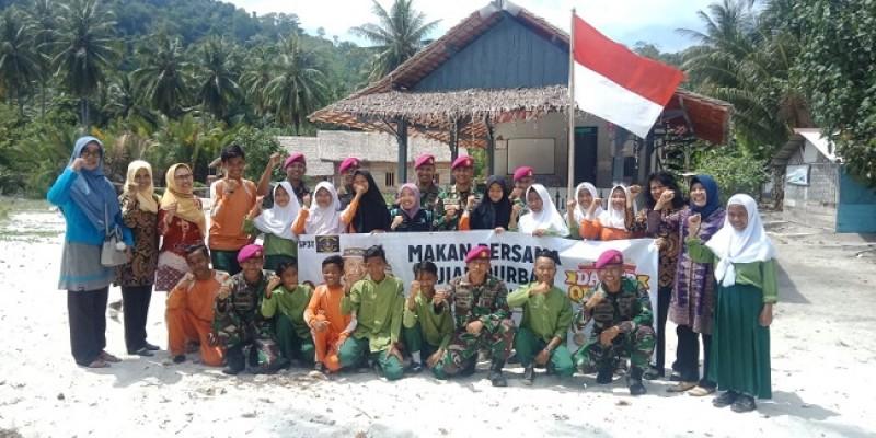 Yon 9-ACT Gelar Dapur Kurban di Pulau Tegal